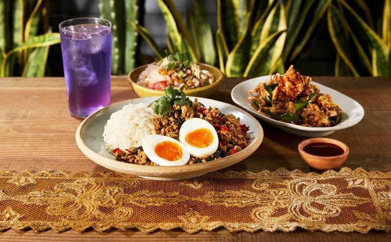 究極のガパオ Chompoo 渋谷 PARCO TAWANDONG Deli - Thai Holy Basil Chiken Rice Speciality -